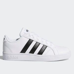 NWT Adidas White Baseline Shoes